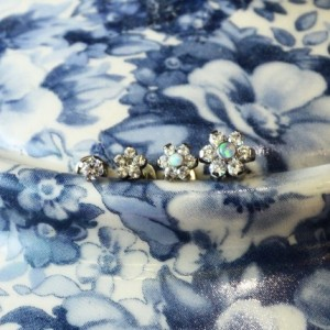 Flowers and crystal labret attachments